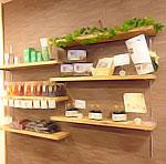 フロンティア店:健康に関する商品も数多く販売