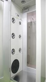 フロンティア店無菌調剤室:シャワールーム