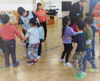 緑陽台保育園の英語と食育のコラボ授業
